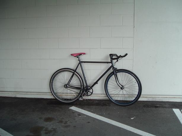 Very light cromoly fixie/single speed