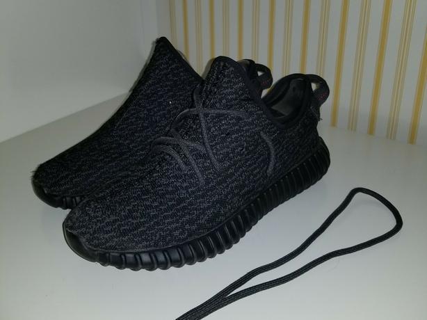 Yeezy 350 v1 boost pirite black