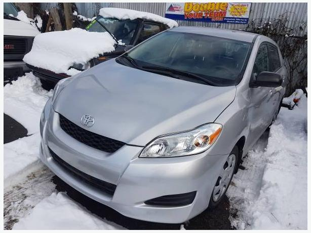 2010 Toyota Matrix, 5Speed Manual tranny with 33 K's