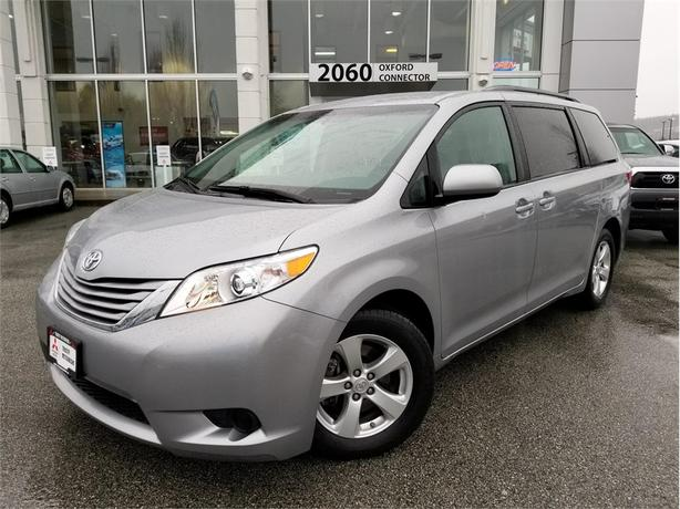 2017 Toyota Sienna LE 8 PASSENGER, POWER SLIDING DOORS, BACK UP CAM