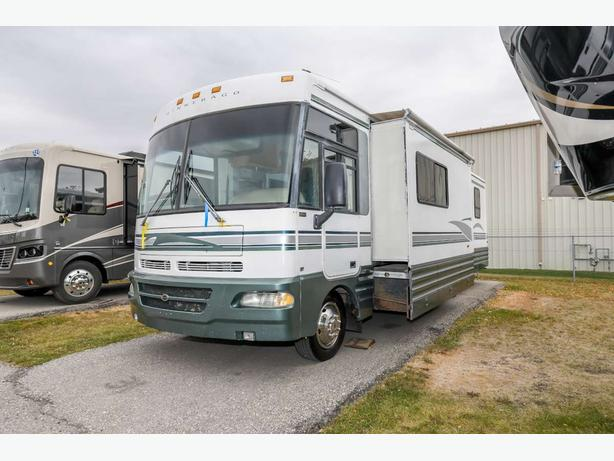 2001 Winnebago Chieftain 34Y - 17108X