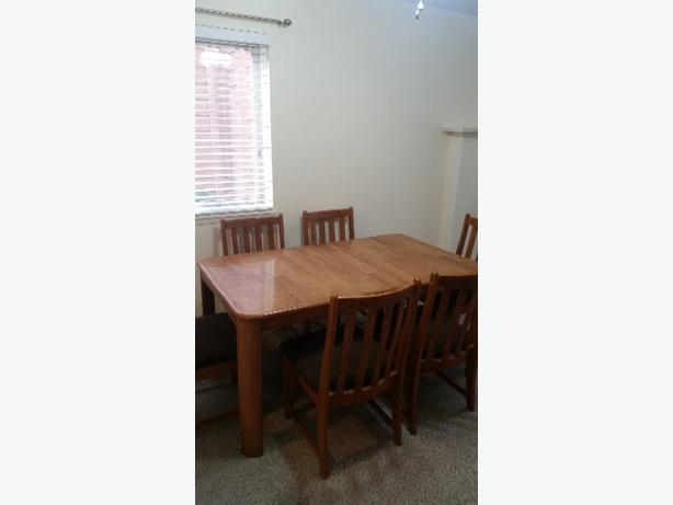 6 piece Dining Set/must sell