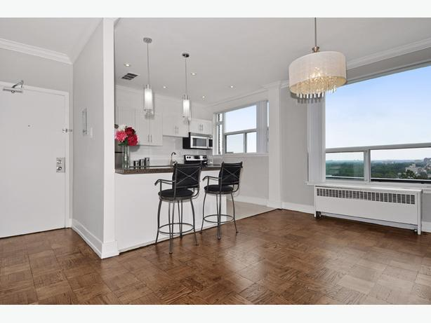 New Penthouse in Forest Hill-York! Near Eglinton & Downtown!