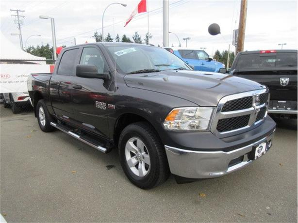 2016 Ram 1500 SXT 4x4 Tow Package Low Kilometers