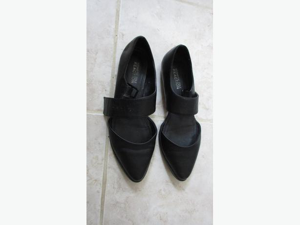 Black Kenneth Cole Reaction ladies shoes 9.5M