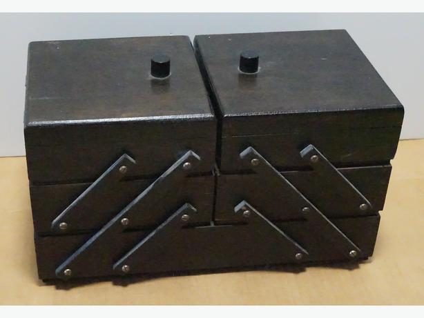 Craft/Sewing/Storage Extendable Box in Wood – New Condition.
