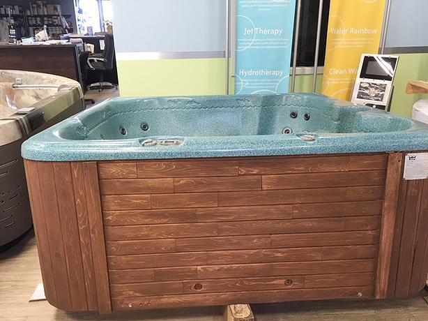 2003 Aruba Hot Tub