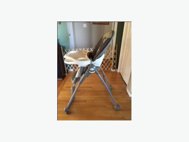 Eddie Bauer Deluxe High Chair