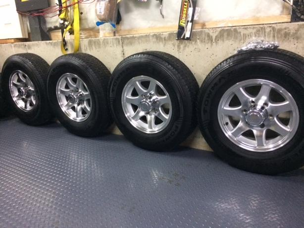 ***15 INCH RV TRAVEL TRAILER RIMS AND TIRES*****