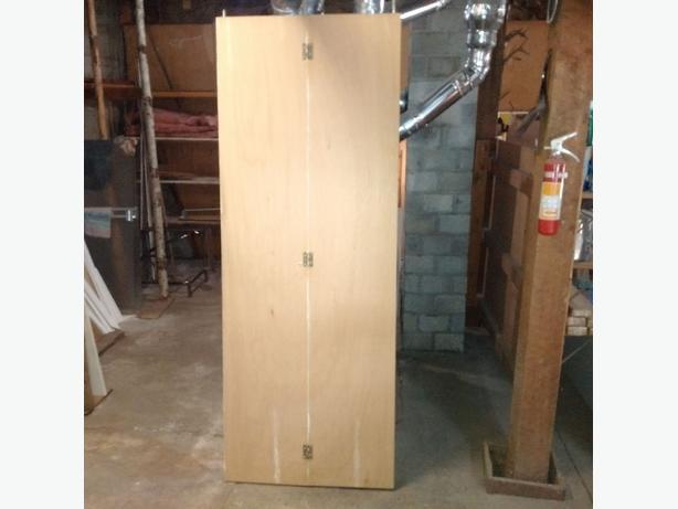 Bi-Folding wooden closet door