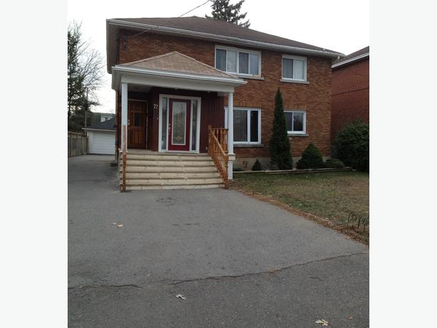 2 Bedroom close to river and park Central location