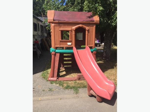Little Tikes Loghouse Playhouse with Slide