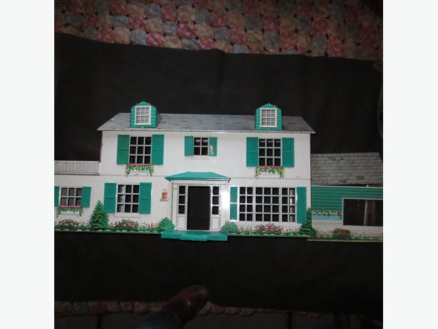 1960s Marx dollhouse big with sunroom parts repair
