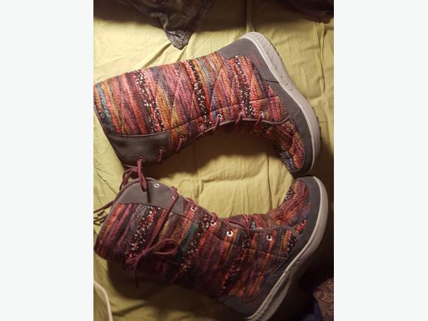 Merrell rainbow threaded boots