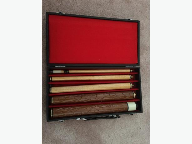 Never used - Collector's portable billiards cue stick