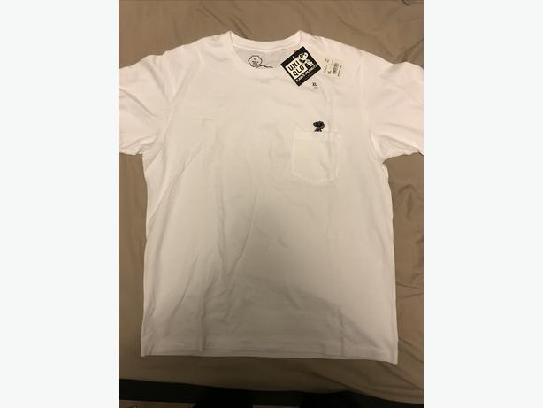 e530fa8f68 Brand New KAWS X Peanuts T-shirt SIZE US M L Saanich