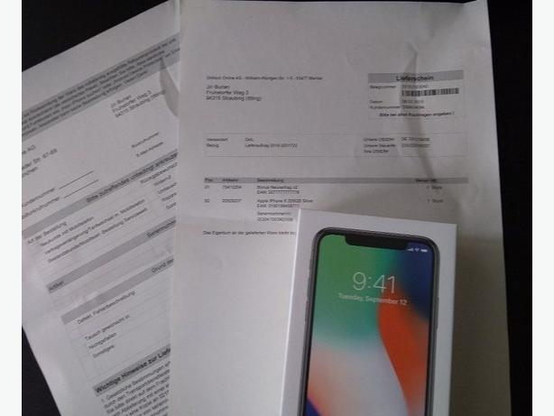 256gb iPhone x sealed in box with complete extras