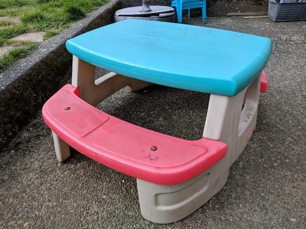 Step 2 kid's picnic table