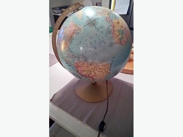 *SOLD* Replogle 2000 Globe 1970's vintage