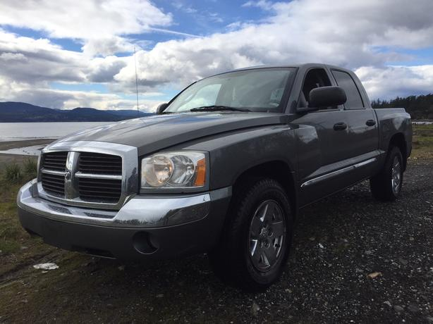 2005 DODGE DAKOTA LARAMIE  4X4 LEATHER ***LOW KMS***