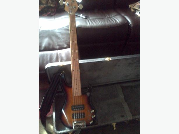 5 string bass guitar with case,100w amp, Yamaha sound effects