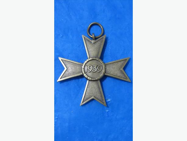 AUTHENTIC WW 2  GERMAN ENLISTED MAN'S IRON CROSS