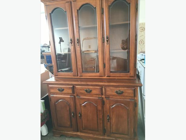Beautiful Maple Wood China Cabinet