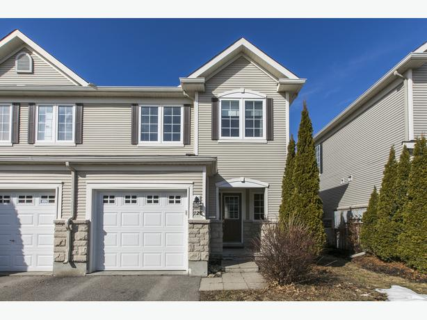 128 Braddock Private, Stonebridge Barrhaven