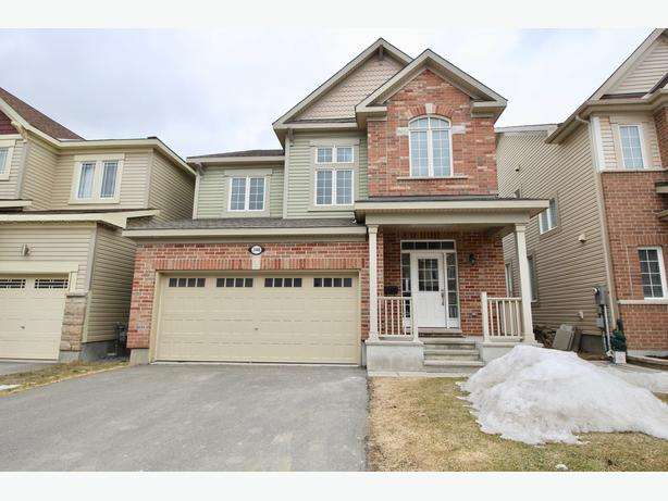 Power Marketing Real Estate:Stunning 3 bedroom in Kanata