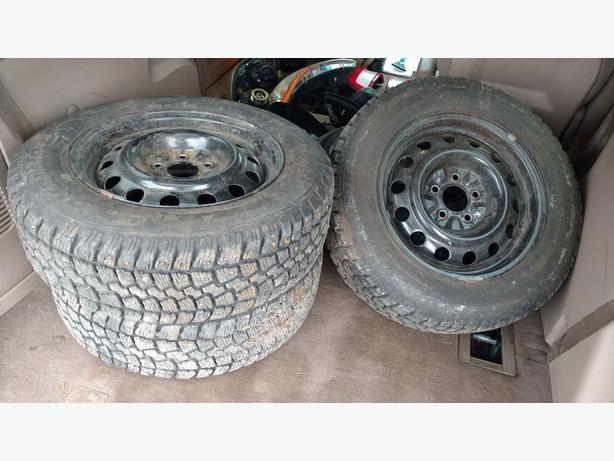205/65R15 STUDDED SNOW TIRES