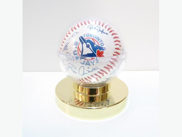 TORONTO BLUE JAYS etc. VINTAGE MEMORABILIA COLLECTION - OVER 130 ITEMS