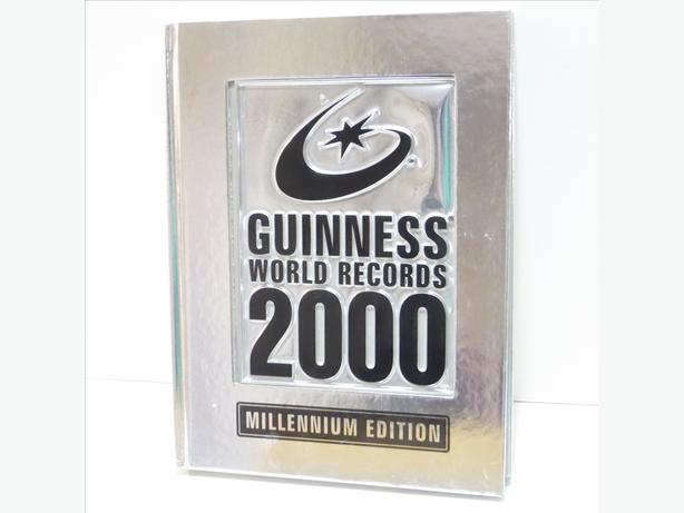 4 GUINESS RECORDS BOOKS FOR 2000 2001, 2002 & 2003 - MINT
