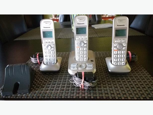 3 Handset Panasonic Cordless Phone Package