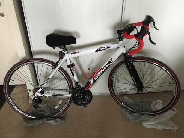 BARELY USED Road Bike (48cm)