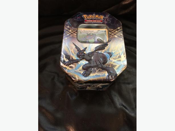 Tin with 200+ Pokemon cards