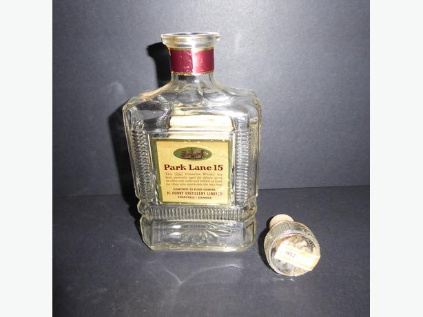 RARE 1952 CORBY DISTILLERIES  PARK LANE 15 CANADIAN WHISKEY DECANTER (EMPTY)