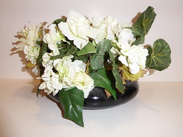 WHITE FLORAL ARRANGEMENT WITH BLACK VASE -- MINT -- NEVER USED