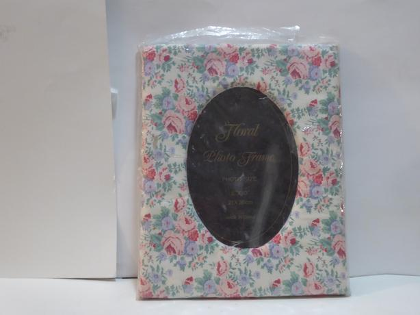 FLORAL PRINT MATERIAL PHOTO FRAME -- MINT -- NEVER USED -- IN PKG.
