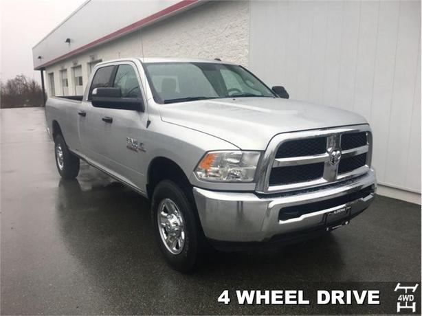 2017 Ram 3500 SLT  Crew Cab 4x4 - Tow Package - AC