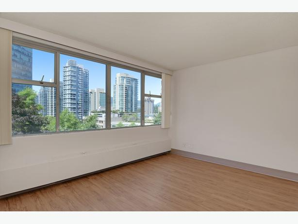 Now Available: 1 Bdrm in Prime Coal Harbour Location!