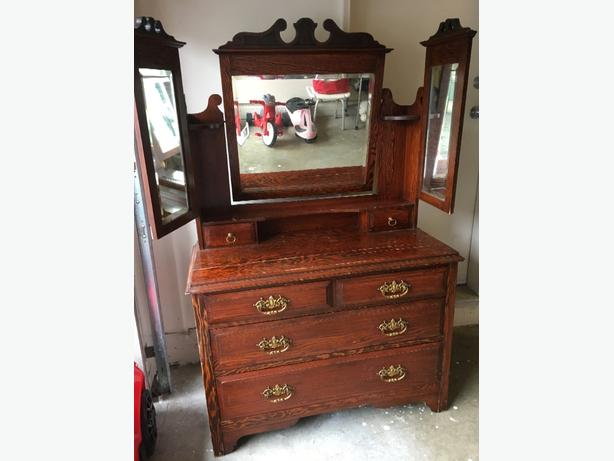 Solid Wood Antique Dresser with 3 mirrors