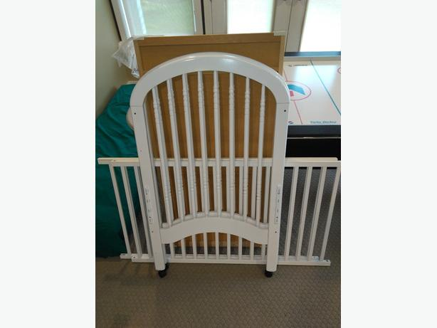 FREE: wooden crib rails