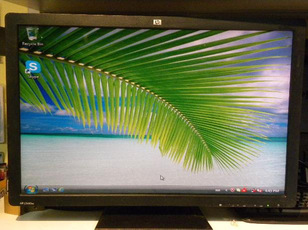 HP 24 inch DVI Blu ray widescreen LCD monitor