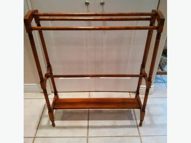 Hardwood Quilt Rack