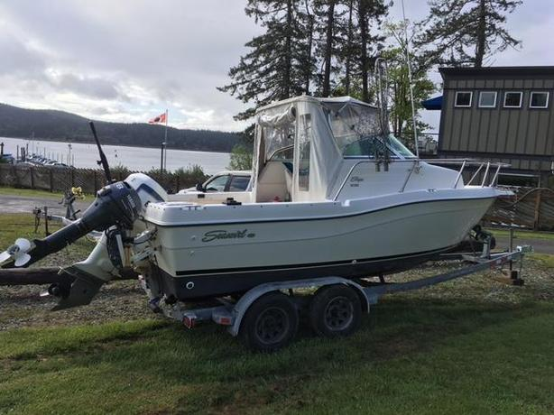 21FT SEASWIRL STRIPER FISHING BOAT