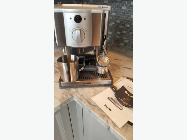 Breville CAFE ROMA Expresso Cappuccino Machine. Used Once!!!