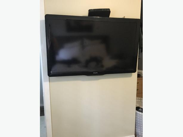 "40"" tv and wall mount"
