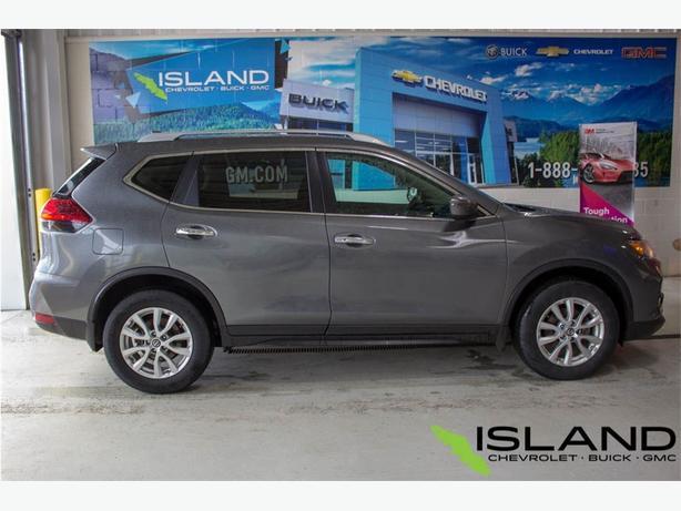 2017 Nissan Rogue | Remote Start | Heated Seats | Bluetooth