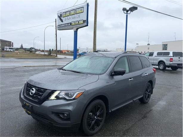 2018 Nissan Pathfinder Midnight Edition