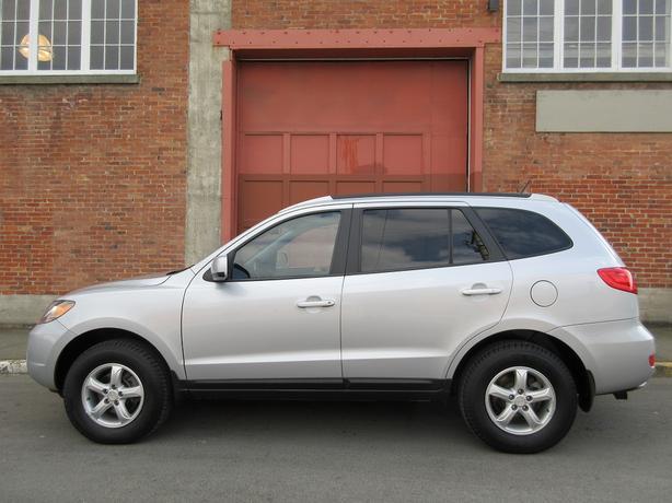 2009 Hyundai Santa Fe 3.3L AWD - NO ACCIDENTS!